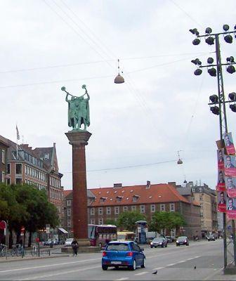4527743-Lur_Horn_Players_Copenhagen.jpg
