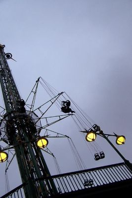 4535567-Tivoli_Ride_Star_Flyer_Copenhagen.jpg