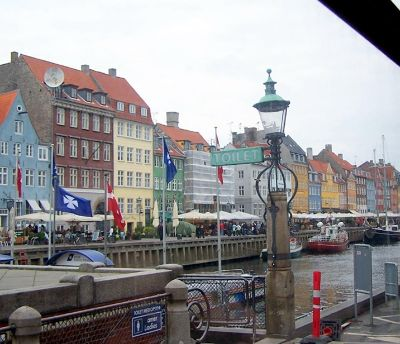 4537741-The_dock_from_the_bus_Copenhagen.jpg