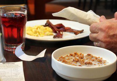 6508294-Bobs_breakfast_Dania.jpg
