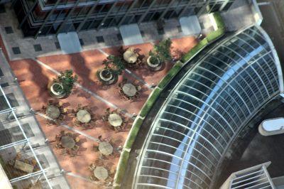 6577232-Tables_on_a_terrace_below_Sydney.jpg