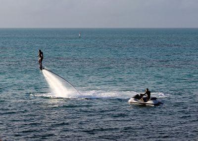 6891407-Someone_fly_boarding_Bermuda.jpg