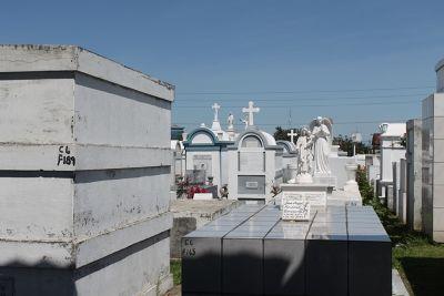 Graves in Cementerio Obrero
