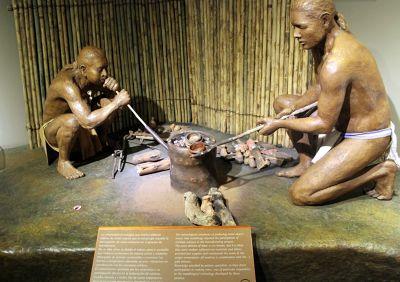 Artisans smelting the gold