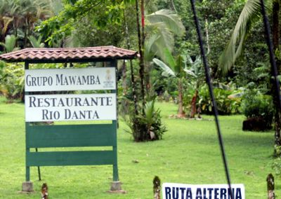 Restaurant sign - Guápiles