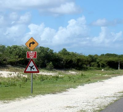 Low flying aircraft sign - Grand Turk