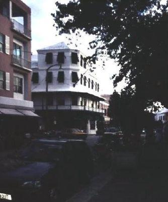 946321-Street_scene_Hamilton.jpg