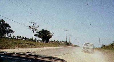 Half paved Hummingbird Highway