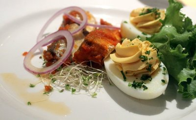 Stuffed eggs and anchovies - very good eggs. lunch - Nov 7.  Some people were put off by thinking that they stuffed the eggs with anchovies