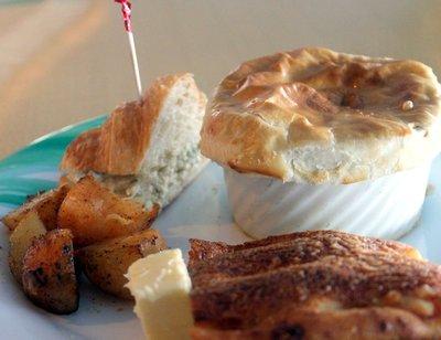 Sandwich, potpie, potatoes andd bread - Lido lunch