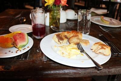 Breakfast at Rivertrees