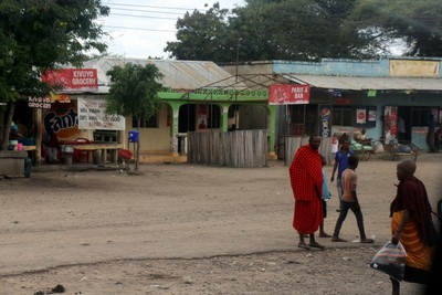roadside stores and Maasai
