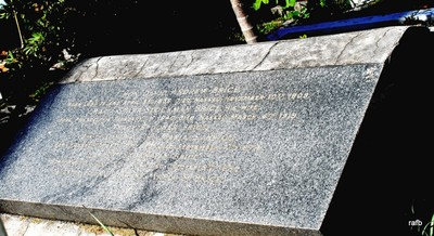 Roxanna Rolle and Hon. David Andrew Brice grave