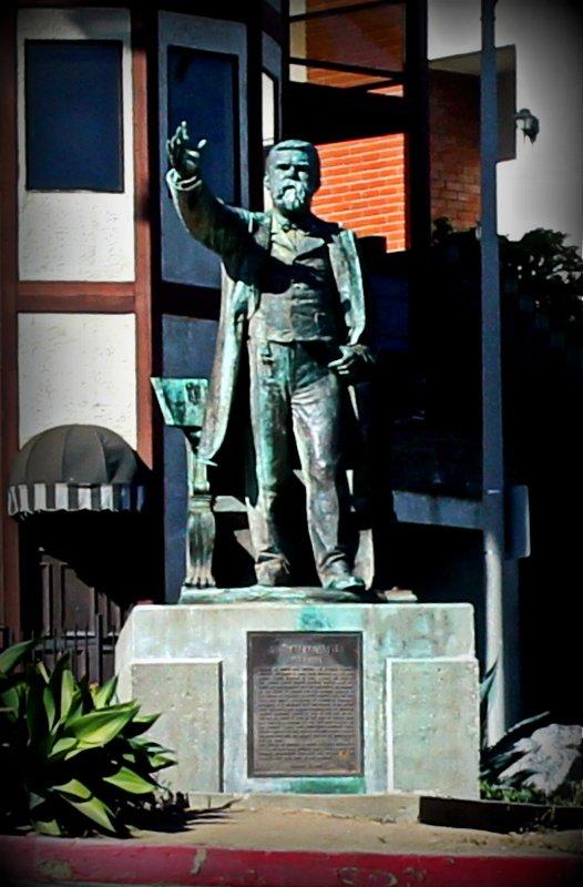 Stephen M. White statue at the entrance to Cabrillo Beach off Stephen M. White Drive