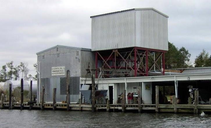R.E.Mayo free docks