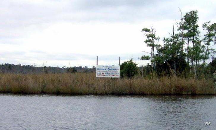 Hurricane Boatyard sign