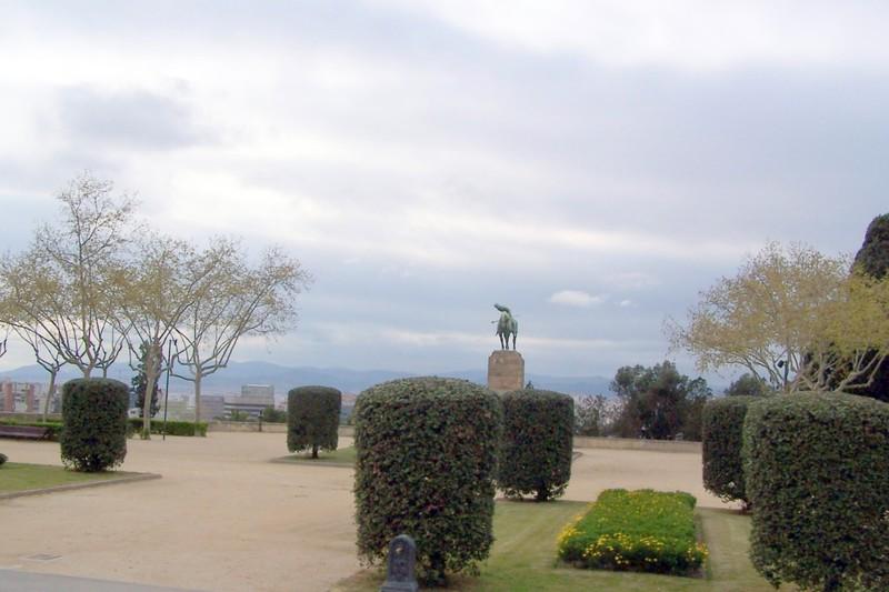 Sant Jordi statue