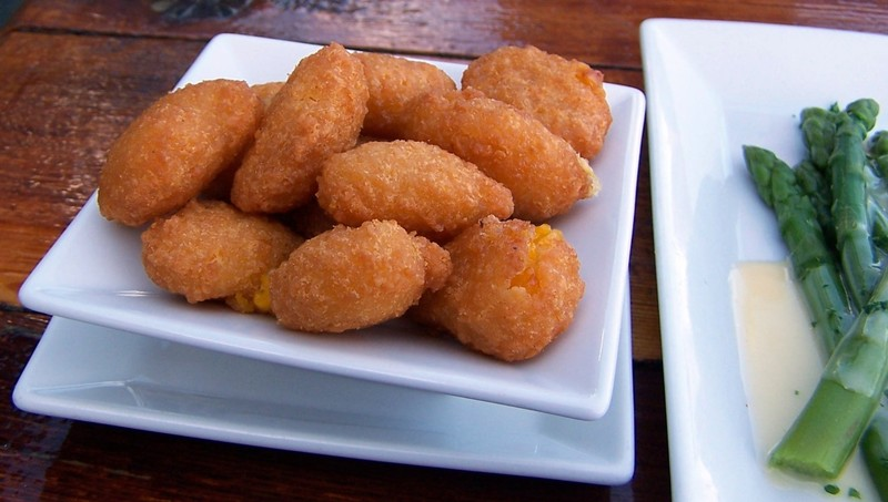 This might be corn fritters (a side)