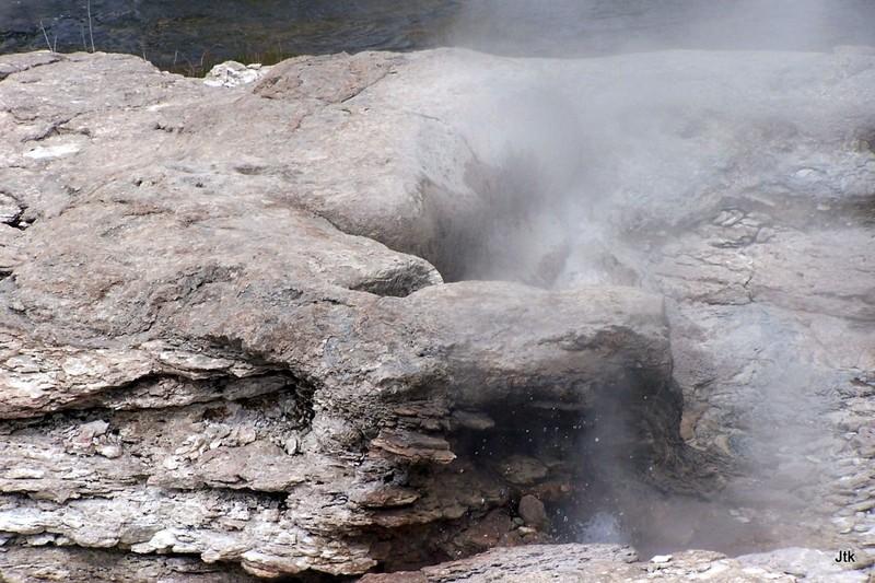 Mortar geyser