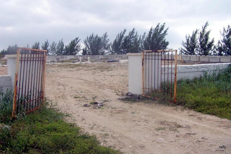 Hunter Cemetery gates