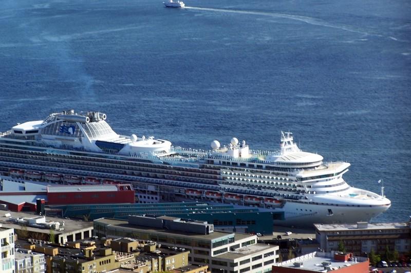 Cruise ship dock