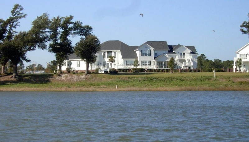 Houses along the ICW