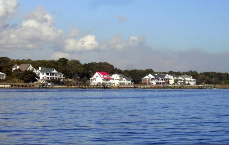 Houses on the Cape Fear River in Southport