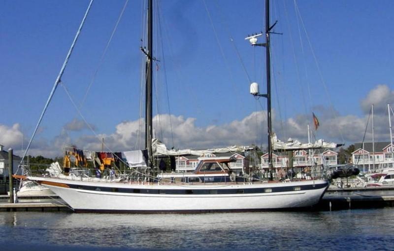 Big Sailboat at South Harbor Village
