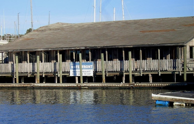 Dock Here to Eat