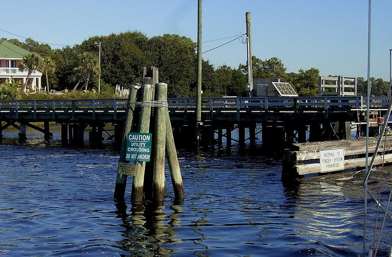 Caution ----------- Utility crossing.  DO NOT DOCK