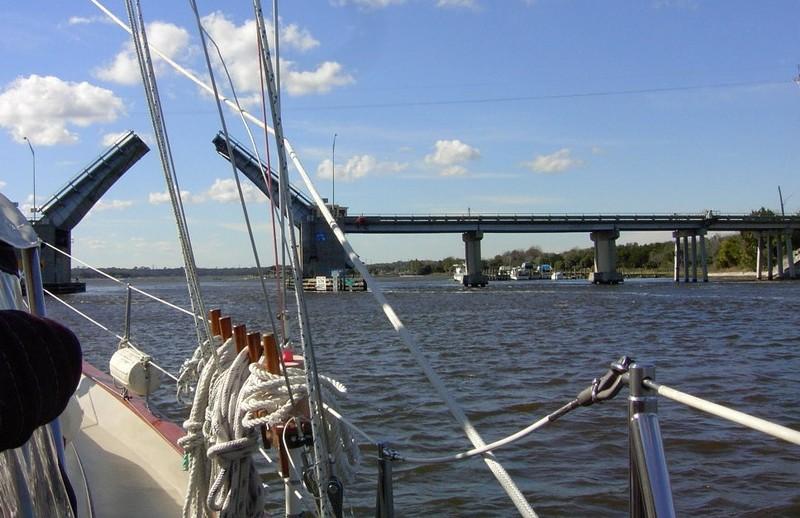Approaching Sister's Creek bridge
