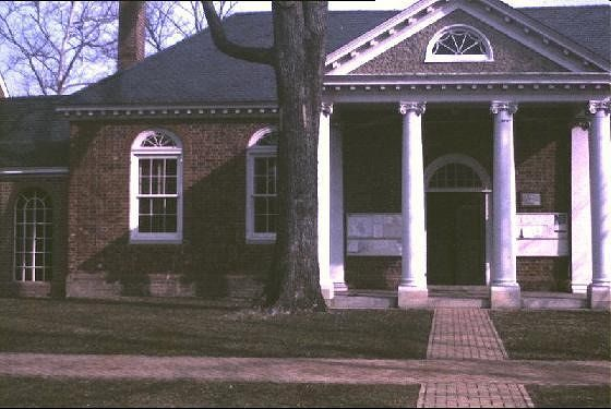 Gloucester Court House's Colonial Courthouse