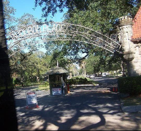 Audubon Place gatehouse