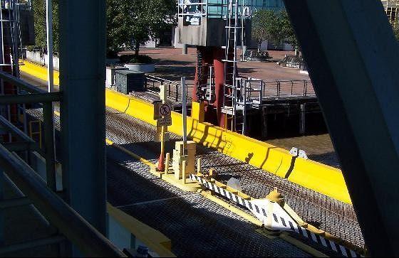 Loading ramp for cars