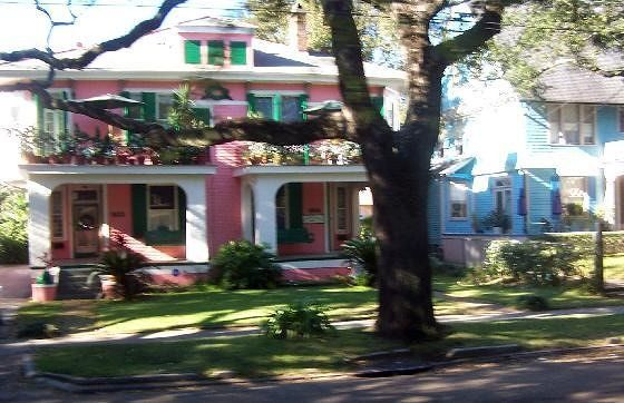 large_2197257-Pink_House_Garden_District.jpg