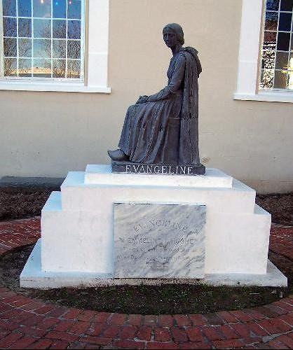 Deloras Del Rio's statue