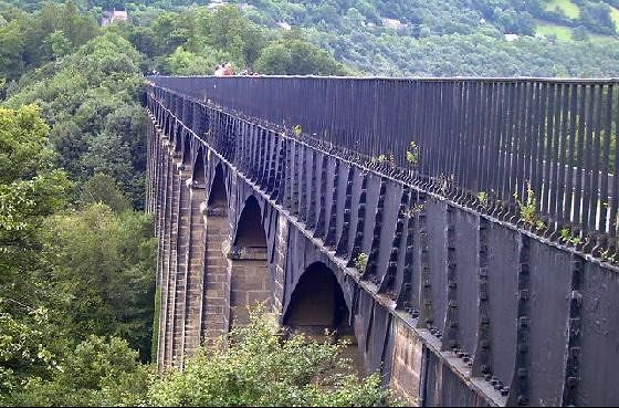 Aqueduct from the side