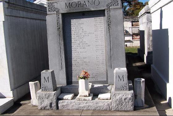 Individual tomb