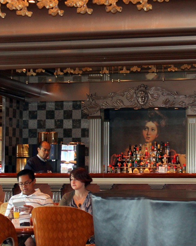 Portrait behind the bar