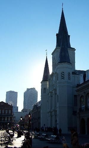The front of St. Louis Cathedral near evening