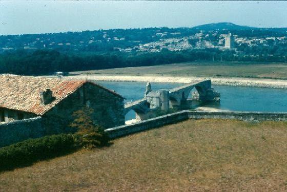large_363746523287060-Sur_le_pont_..se_Avignon.jpg