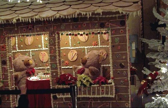 Bears gingerbread house display