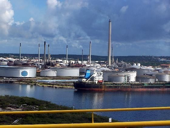 Refinery from the Queen Juliana bridge