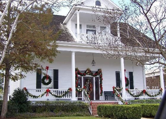 Cypress Manor decorated for Xmas