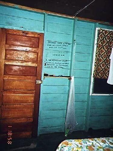 large_43334596668816-Door_to_stair..ye_Caulker.jpg