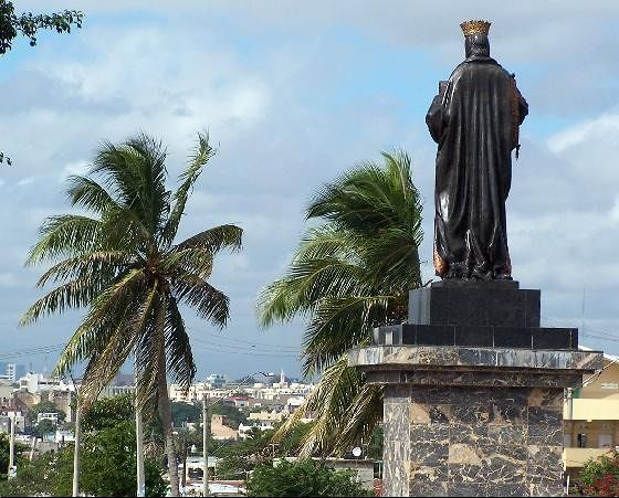 Isabel looking out over Santo Domingo