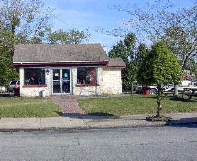 "Farm Boys: ""Smallest Restaurant in Town"