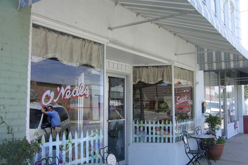 O'Neals East Main Street Restaurant: Breakfast and Lunch and Snack Bar