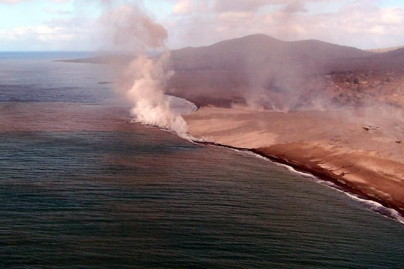 Pyroclastic flow boiling the ocean