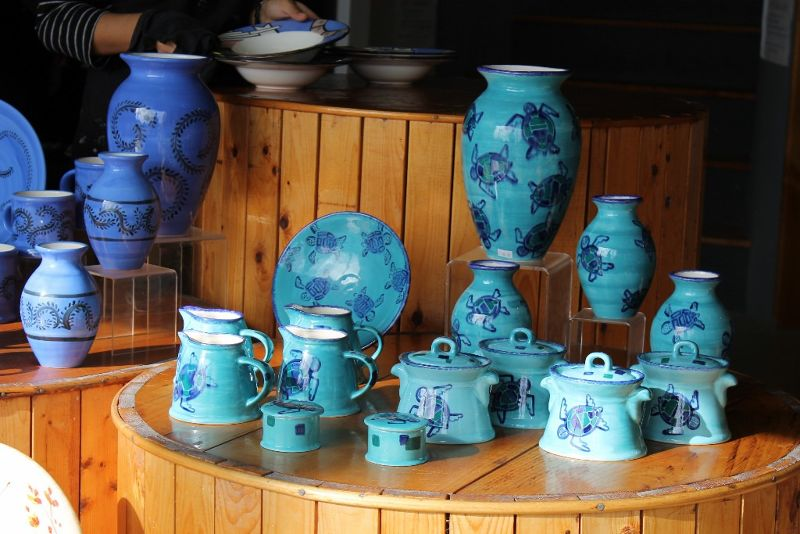 Blue vases and plates - Sandys Parish